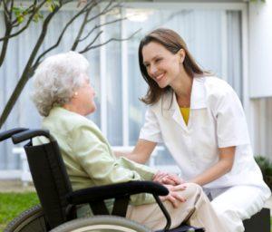 Cuidadora de idosos Apoio a idosos / acompanhamento de idosos / ajuda a pessoa idosa / Cuidador / Ajudante familiar / prestar cuidados a idoso