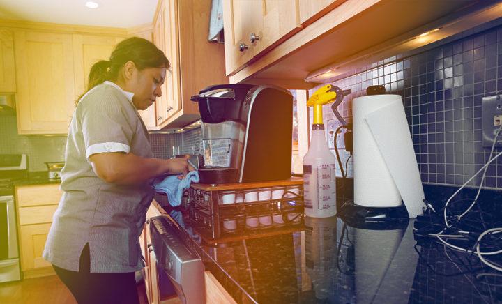 Empregada doméstica para tratar da limpeza de residência de família, fazer a comida, lavar e passar a ferro e ajudar a cuidar da criança e bebé